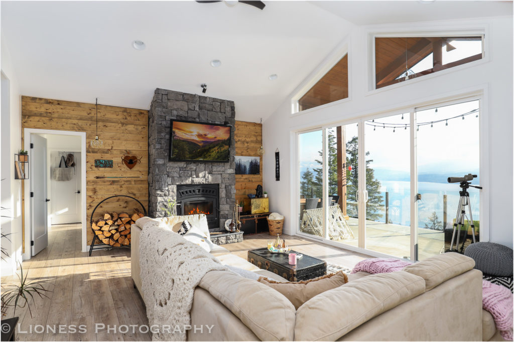Beautiful AIRBNB rental property located in the shuswap